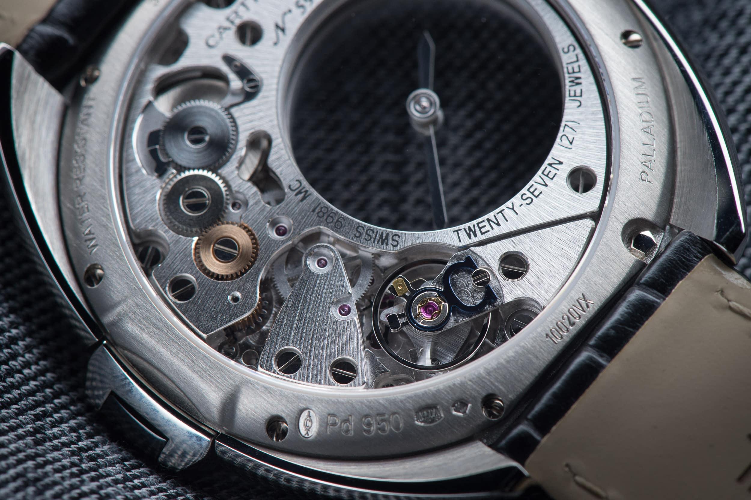 The-Cl---de-Cartier-Mysterious-Hour-Watch-4