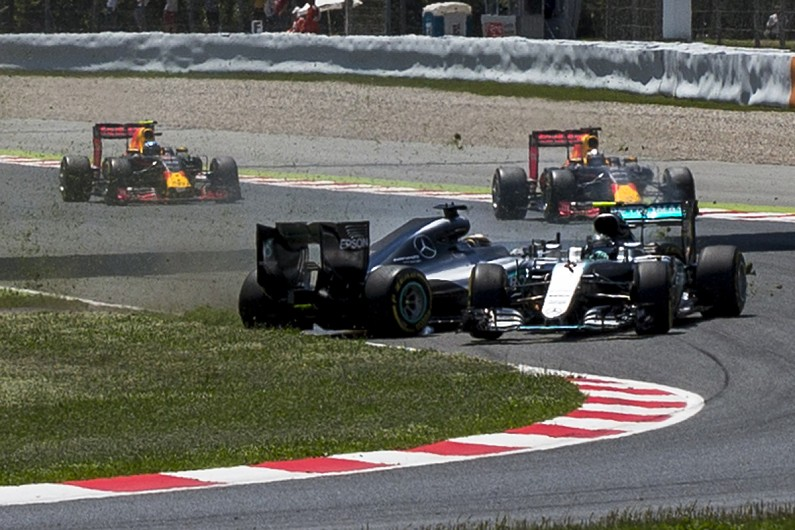 Nico Rosberg and Lewis Hamilton Crash Spanish Grand Prix 2016